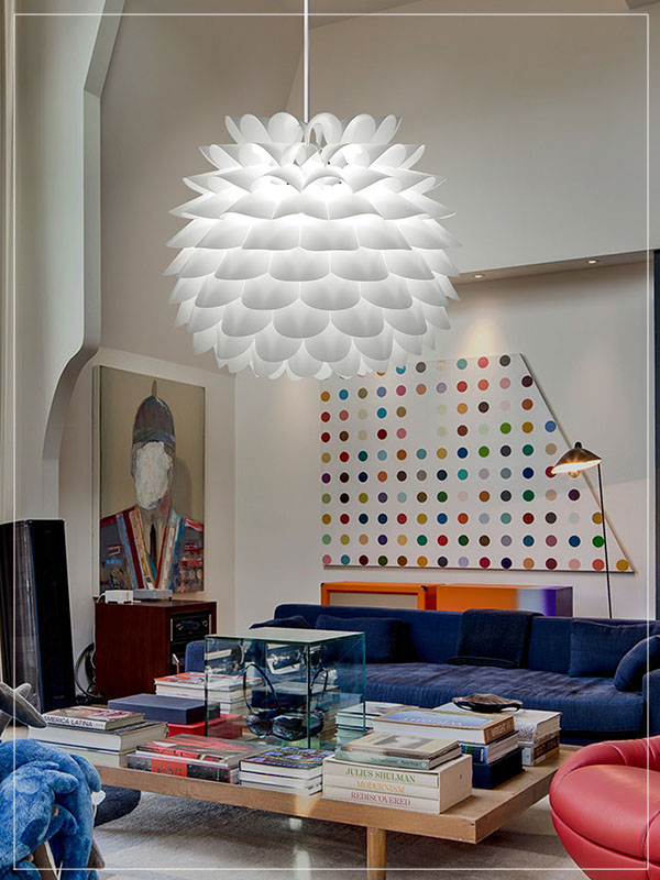Pendant Lamp Shade Star in a Living Room.